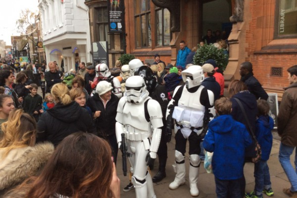 stormtrooper-drawing-in-the-crowds-outside-the-beaney-on-canterbury-high-street