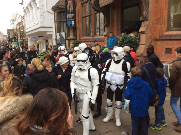 A RECORD-BREAKING 2,500 STAR WARS FANS VISIT THE OPENING OF MAY THE TOYS BE WITH YOU!