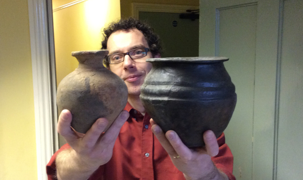 CRAIG CARRIES... IRON AGE POTTERY